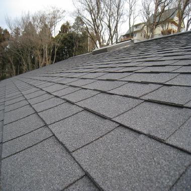 屋根の勾配と屋根材について